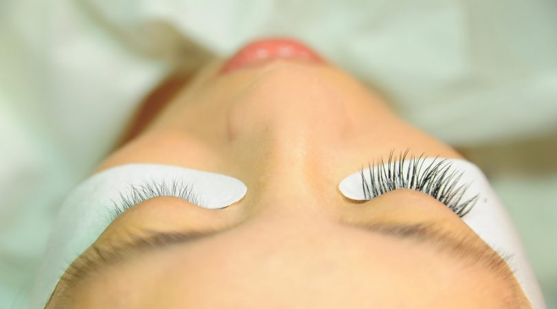 Eruptions in and around eyelashes