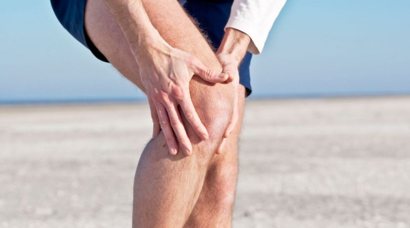 Right knee joint effusion.